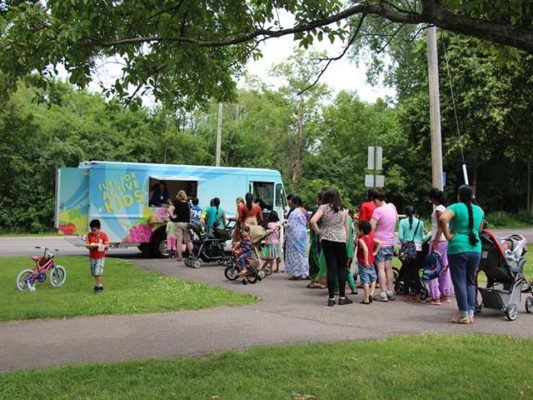 Hopkins-Public-Schools-Food-Truck-Crowd