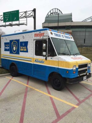 Milwaukee-Brewers-Treat-Truck-3