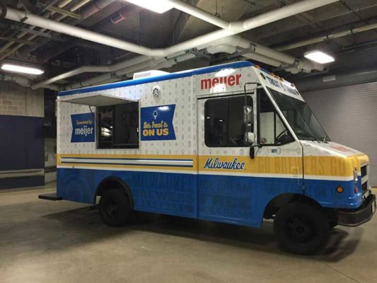 Milwaukee-Brewers-Treat-Truck-4