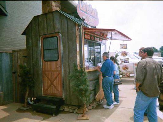 Uncle-Bucks-Trailer---Bass-Pro-Shops-Exterior-#3